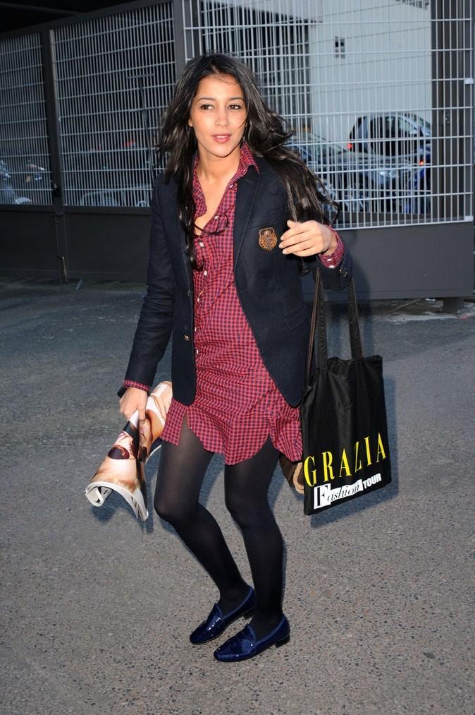 La chemise à carreaux de Leïla Bekhti à la fashion week parisienne en Mars 2010 !