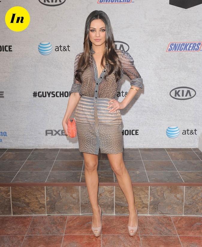 La blouse et la jupe crayon iprimées Gucci de Mila Kunis en Juin 2011 !