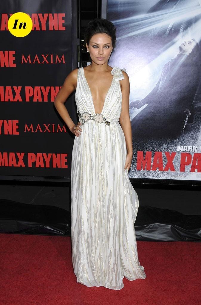 La robe longue blanche style vestale de Mila Kunis en Octobre 2008 !