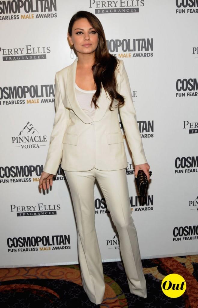 Le smoking blanc de Mila Kunis en Mars 2011 !