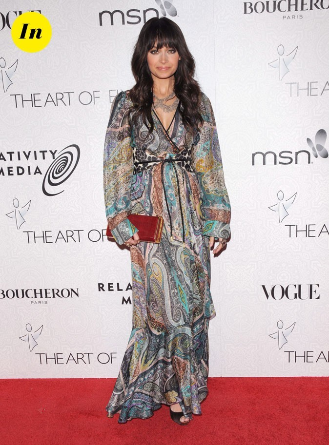 Look de Nicole Richie :  une robe longue tendance hippie chic en janvier 2010