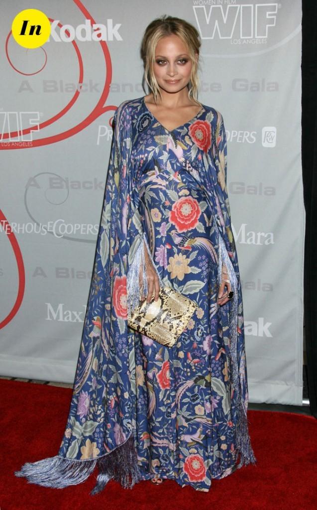 Look de Nicole Richie :  une robe longue tendance hippie chic en juin 2007