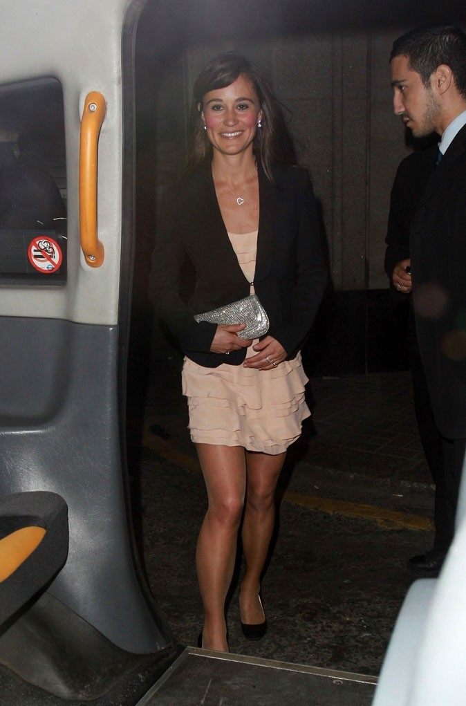La robe nude French Connection de Pippa Middleton en avril 2011