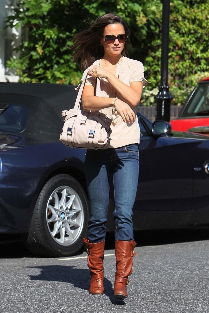 Le sac à main Moladu de Pippa Middleton en mai 2011