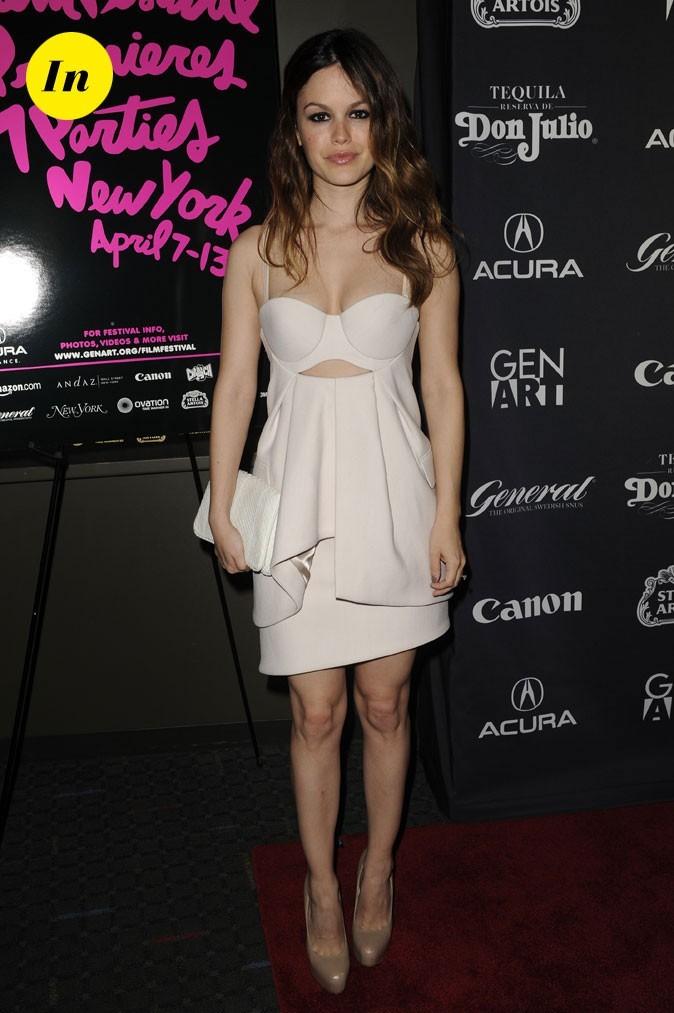 La robe nude à découpes de Rachel Bilson en Avril 2010 !