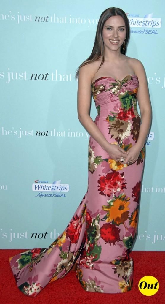 Scarlett Johansson en 2009 : une robe longue imprimé fleuri