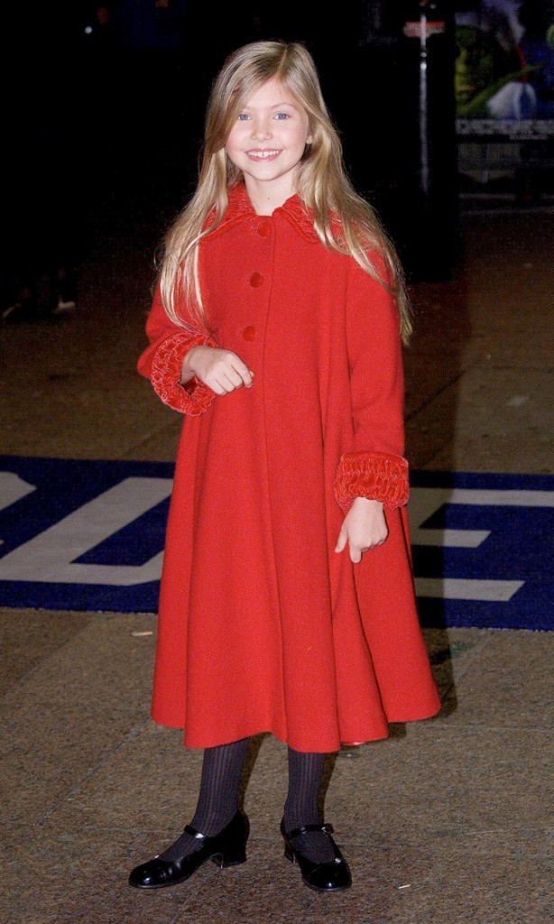 Le look de chaperon rouge de Taylor Momsen en Novembre 2000 !