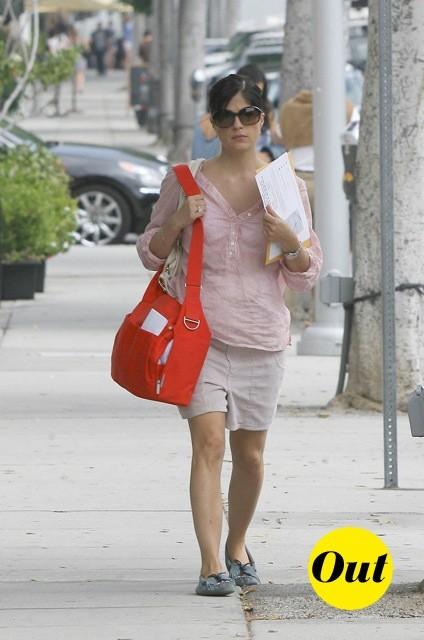 Selma Blair et son sac rouge