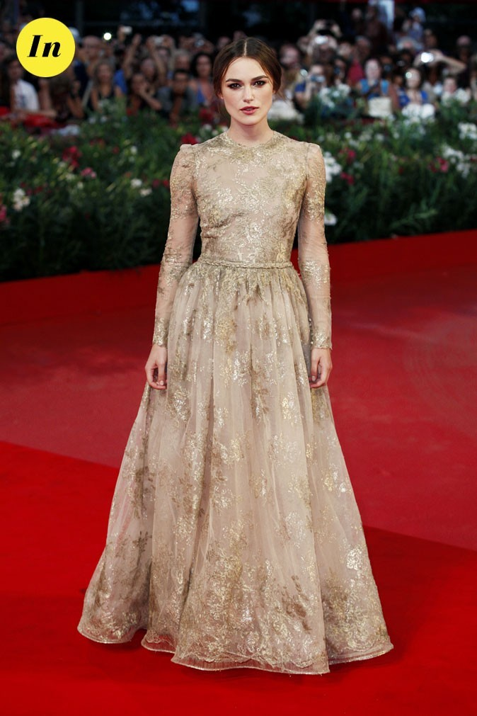 Mostra de Venise 2011 : la robe brodée Valentino haute couture de Keira Knightley