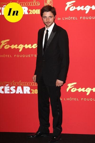 César 2011 : le costume de Raphaël Personnaz