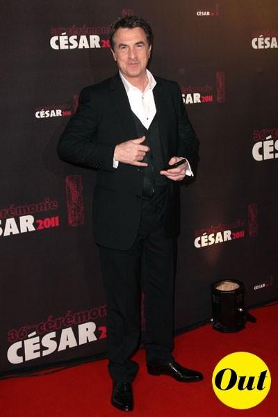 César 2011 : le costume Yves Saint Laurent de François Cluzet