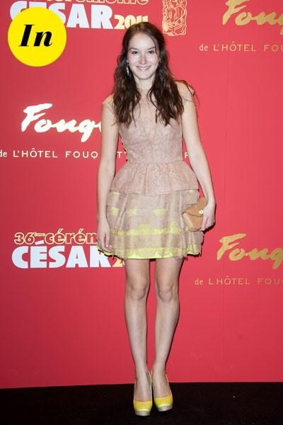 Photos : César 2011 : la robe nude et fluo d'Anaïs Demoustier
