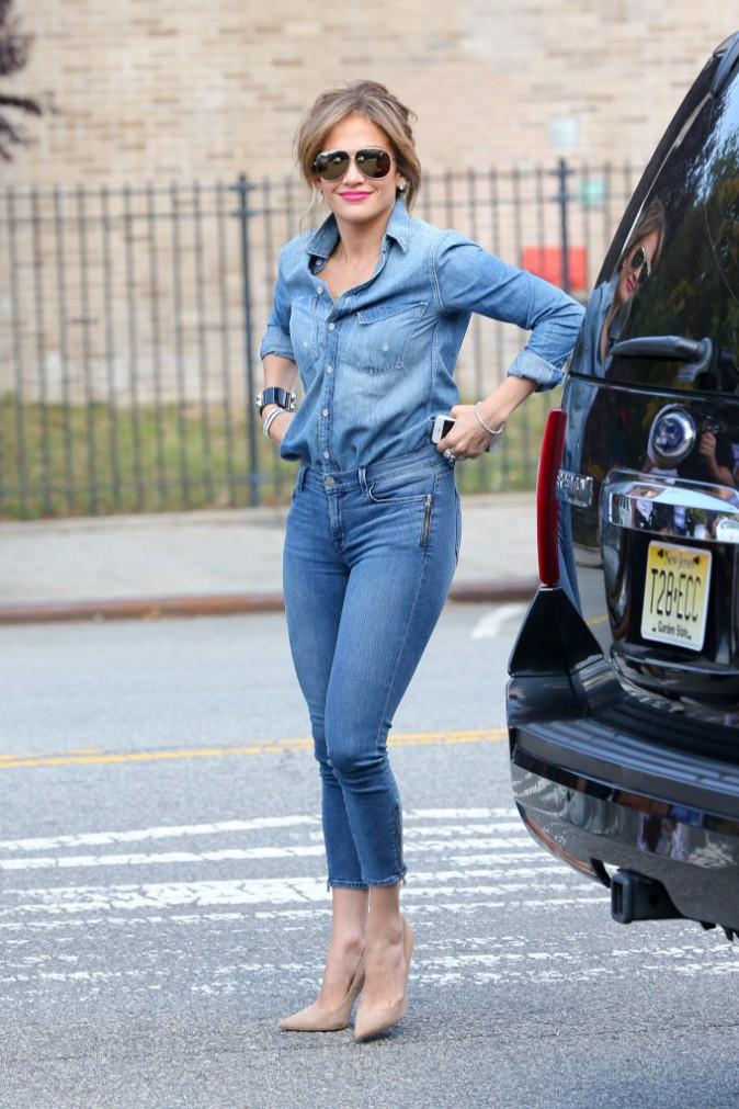 Photos : Jennifer Lopez : Découvrez le CV Fashion coloré d'une diva !