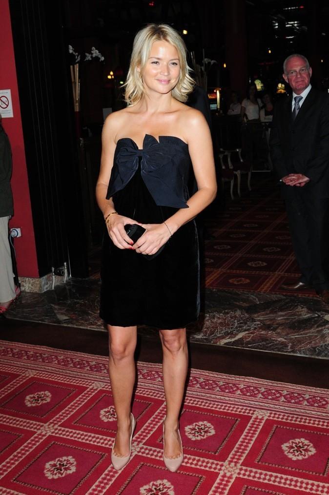Total look noir + escarpins nude : so classy !
