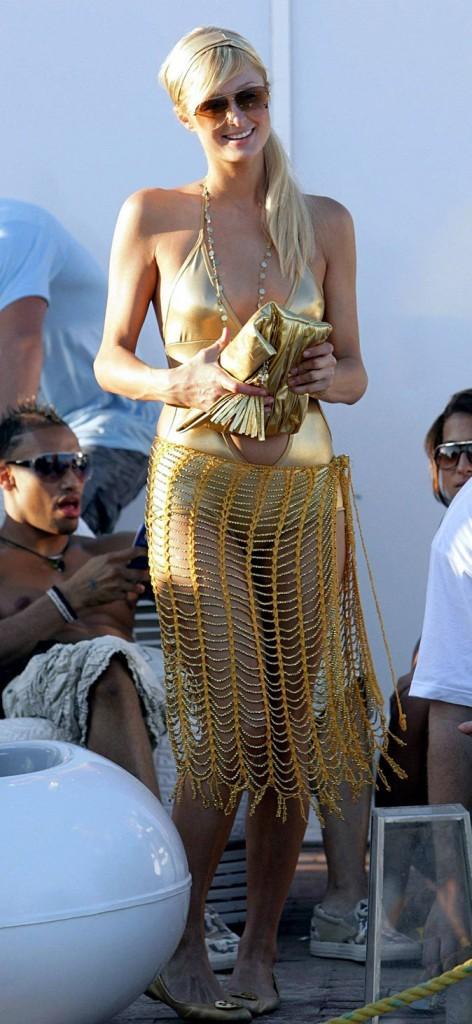 Le trikini en lamé de Paris Hilton !