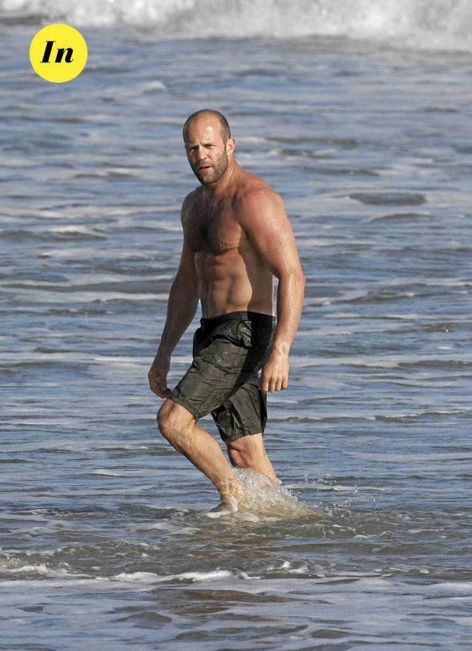 Photo : le maillot de bain kaki de Jason Statham à la plage !