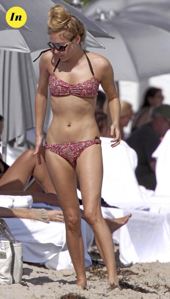 Photo : le maillot de bain liberty de Chloë Sevigny à la plage !