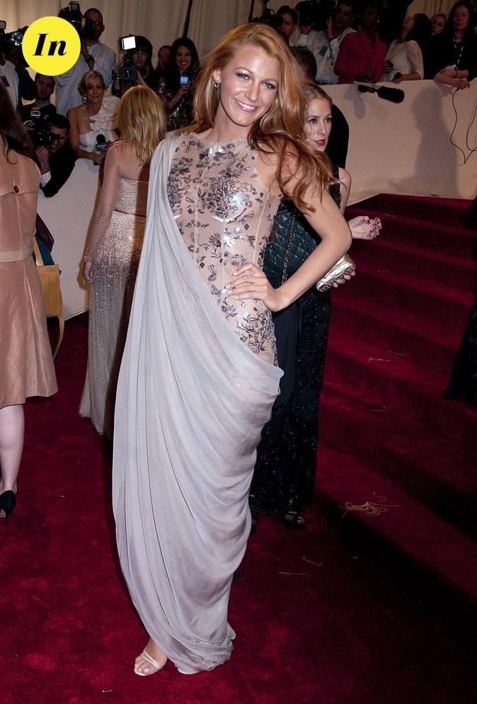 Photo look de star au MET Ball 2011 : la robe transparente Chanel de Blake Lively