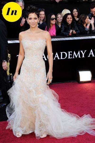 Oscars 2011 : la robe Marchesa d'Halle Berry