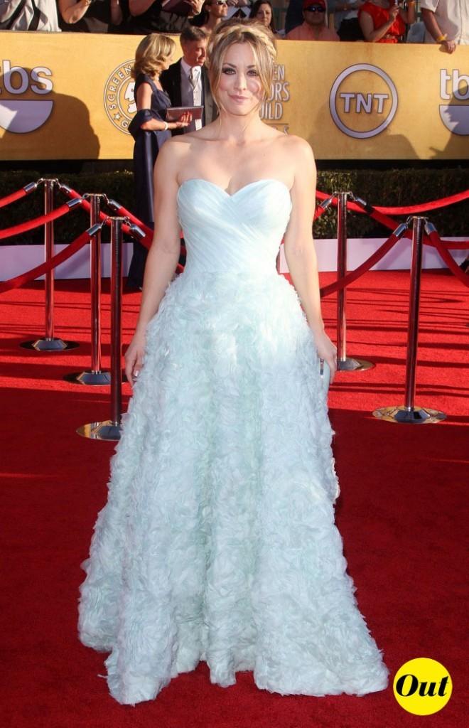 Kaley Cuoco dans une robe de princesse Romona Keveza