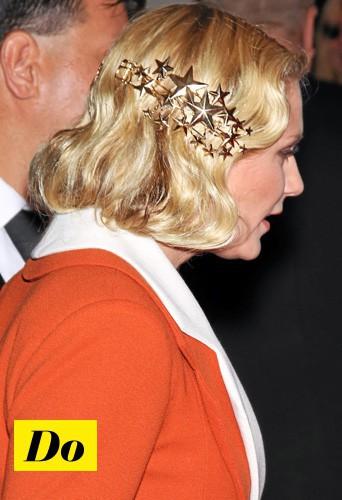 Copiez sans hésiter la coiffure bling réussie de Kirsten Dunst !