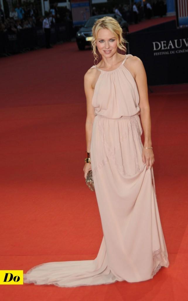 Festival de Deauville 2011 : la robe longue nude vaporeuse de Naomi Watts !