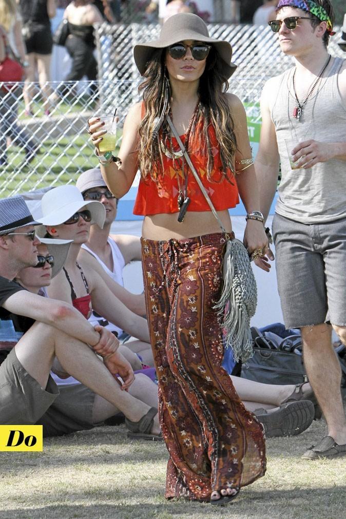 Tendance mode années 70 : la capeline de Vanessa Hudgens