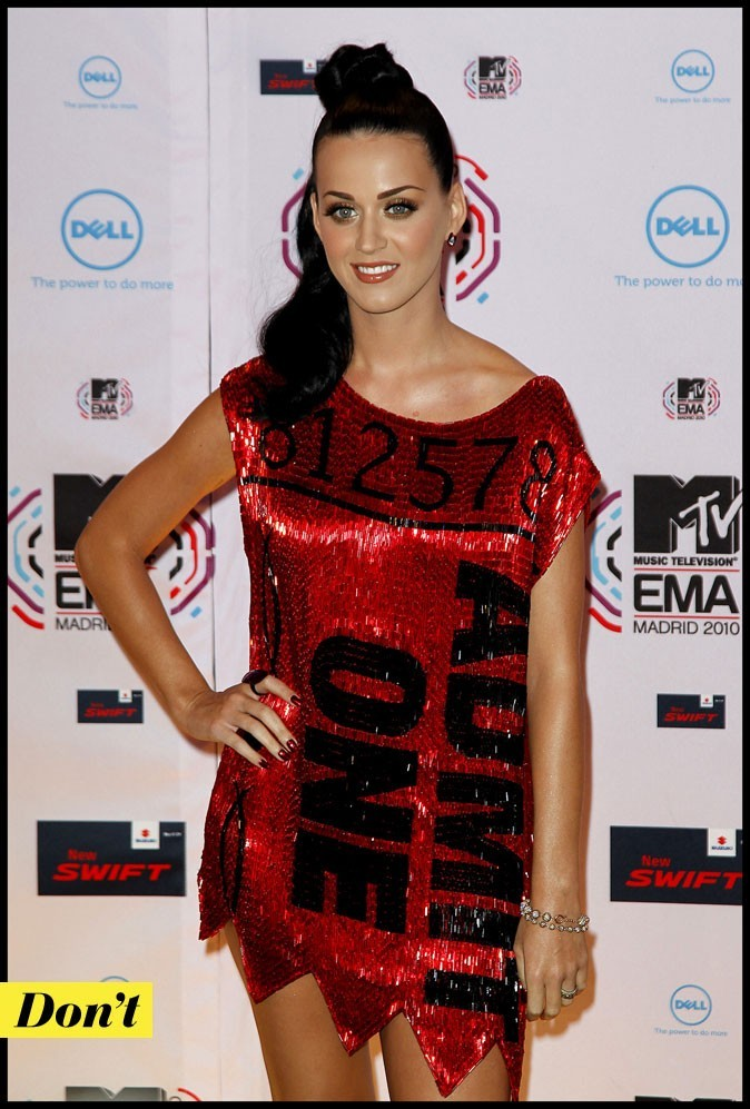 Katy Perry en robe Pierre à feu Castelbaljac