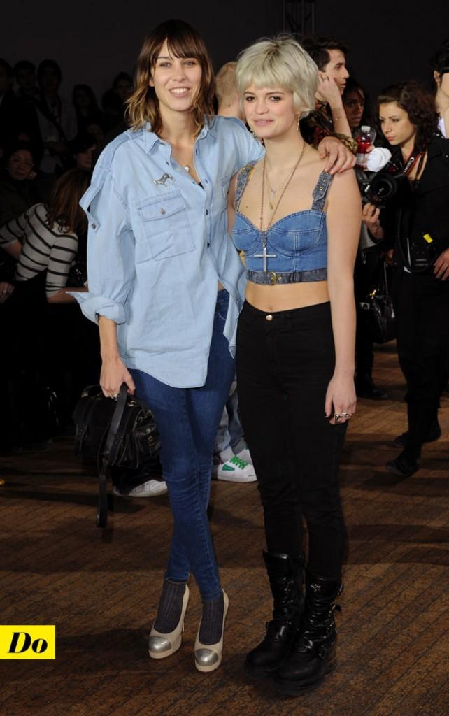 Le total look denim d'Alexa Chung : une chemise en jean clair et un slim en jean brut
