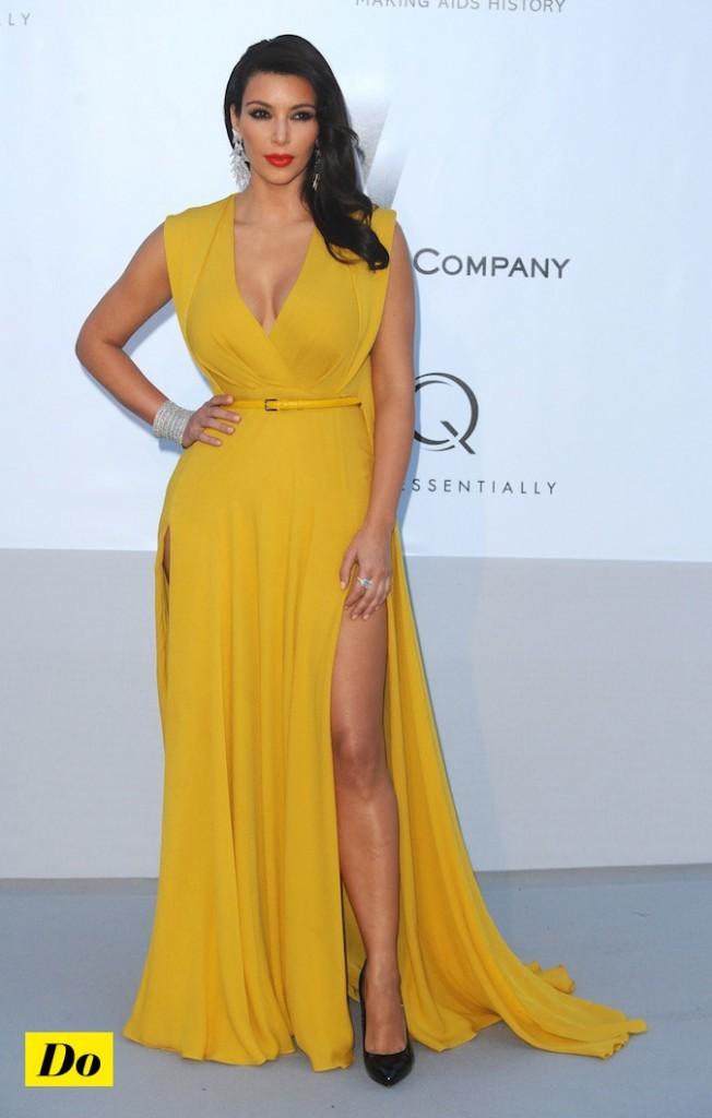Kim Kardashian charme ses fans avec son fessier