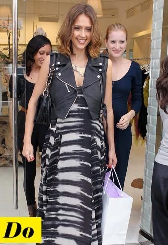 Jessica Alba et son blouson sans manches en cuir