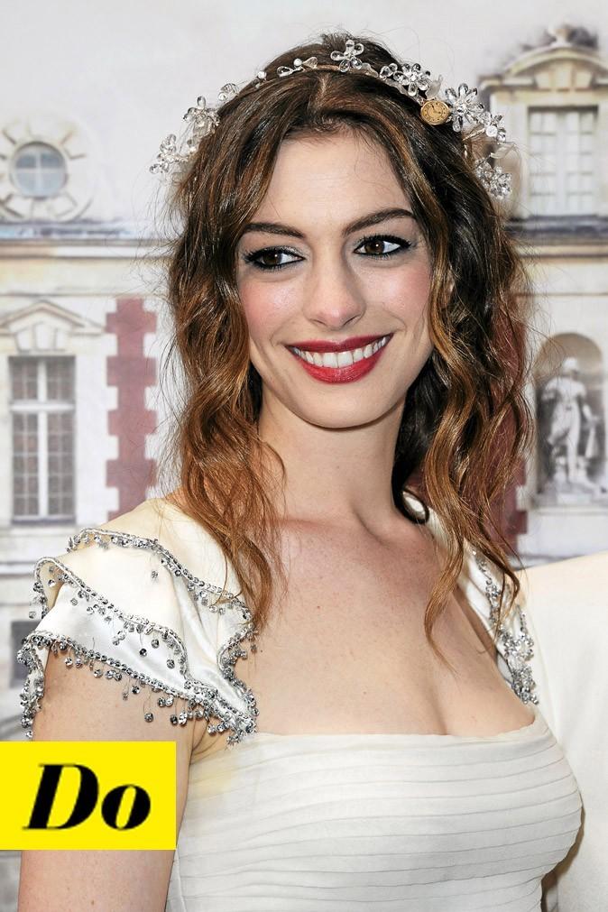 Le rouge à lèvres rouge d'Anne Hathaway