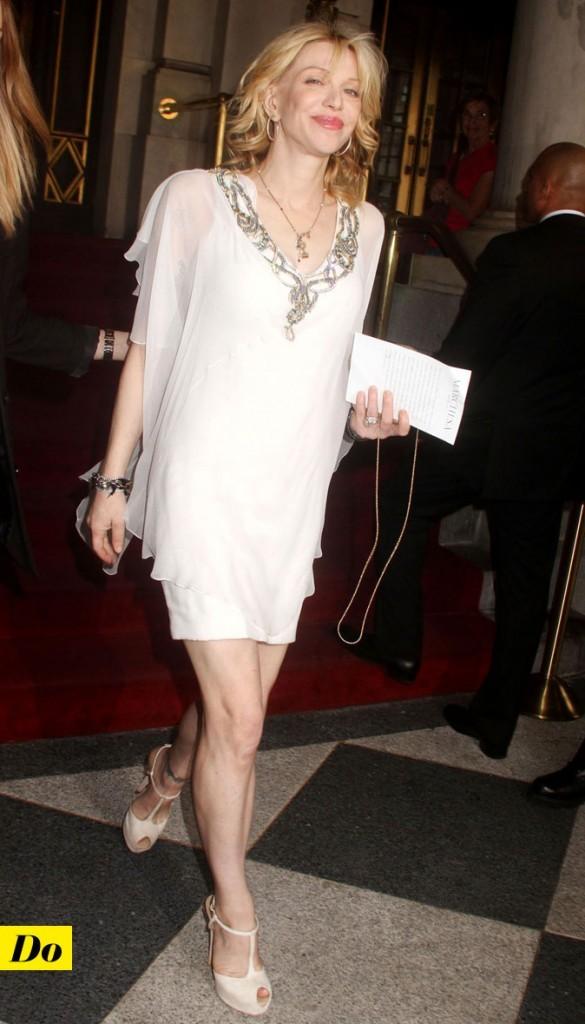 Mercedes-Benz Fashion Week 2011 : Courtney Love lors du défilé Marchesa !