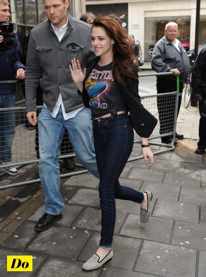 Kristen Stewart adore ses chaussons !
