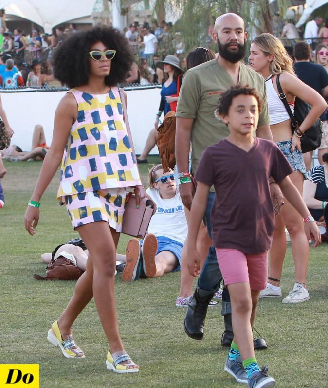 Le look disco de Solange Knowles met un peu de fraîcheur au festival !