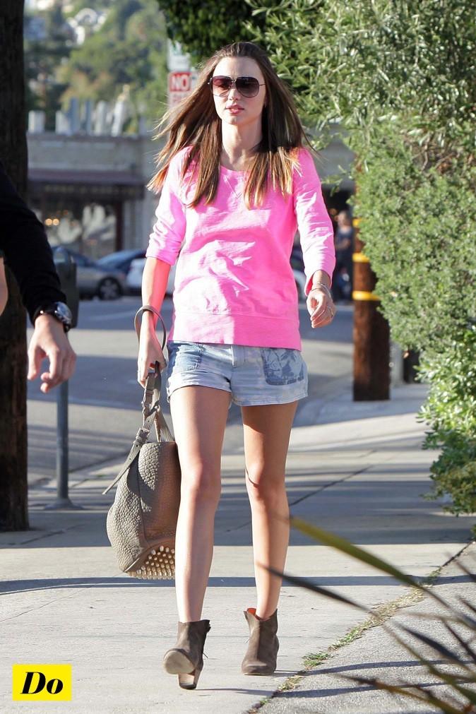 Miranda Kerr, jamais sans ses low boots !