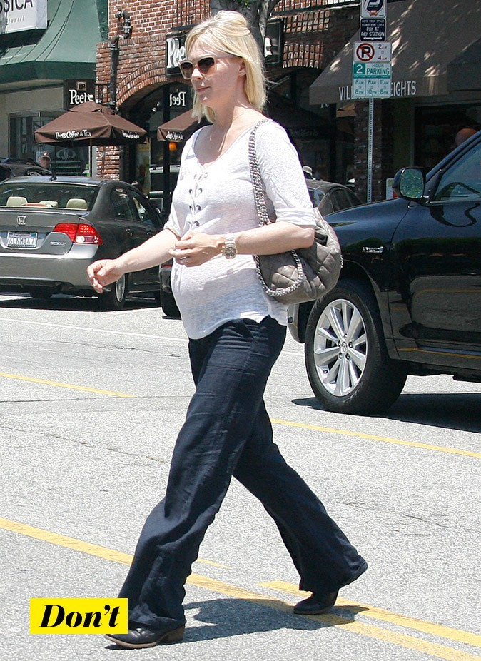 January Jones enceinte : Sa blouse blanche lacée !