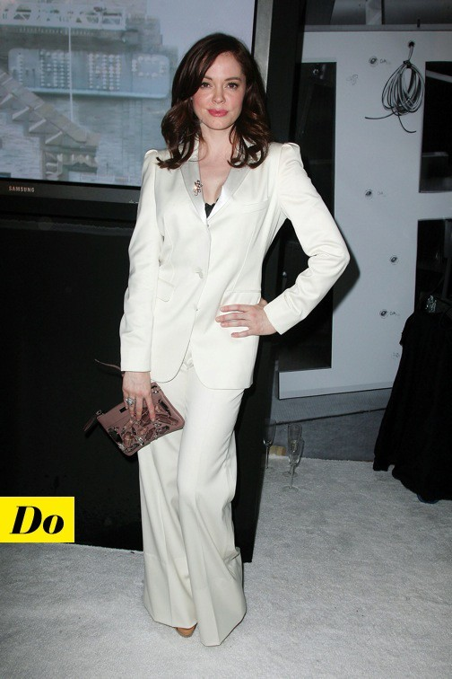 Rose McGowan en Burberry