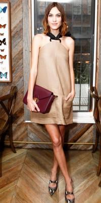 Alexa Chung, élégante et stylée pour son dîner privé Longchamp
