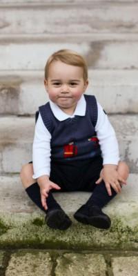 Baby George : petit prince de la mode, encore une tenue sold-out !