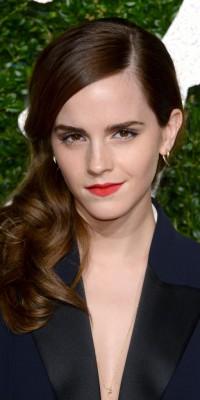 Beauté : Emma Watson : side hair et bouche corail !