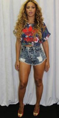 """Beyoncé : double hommage pour sa """"petite sœur"""" Rita Ora !"""