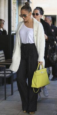 Jennifer Lopez : Amoureuse et toujours aussi stylée !