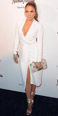 Jennifer Lopez : avec son look immaculé, elle oublie Drake et craque sur...