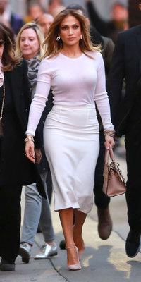 Jennifer Lopez : on copie son look classique-chic !