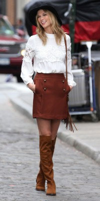Karlie Kloss : splendide en look casual chic !