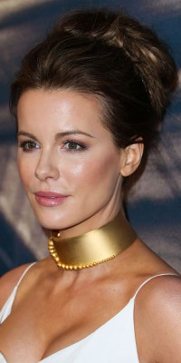 Kate Beckinsale : on copie son chignon flou !