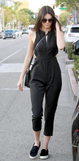 Kendall Jenner : cool et chic en combinaison !