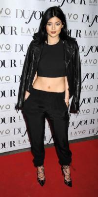 Kylie Jenner : une beauté DuJour noir de jais !