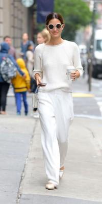 Lily Aldridge VS January Jones : qui porte le mieux le total look white ?